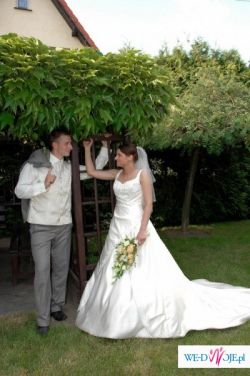 suknia ślubna z salonu Lisa ferrera we Wrocławiu