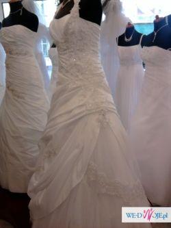 suknia ślubna z włoską koronką