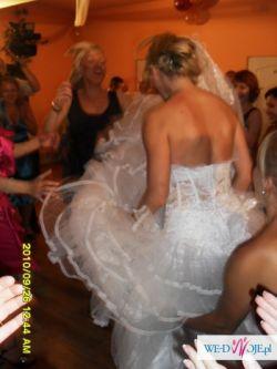 suknia snieznobiala ala ksiezniczka