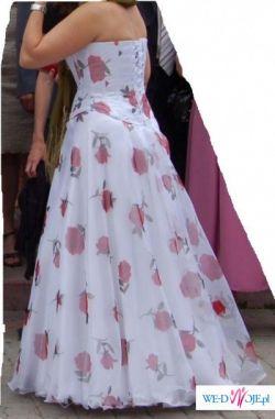 Suknia w róże