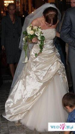 Suknia z naturalnego jedwabiu