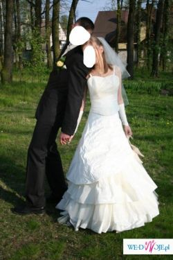 Suknia z pięknej tafty