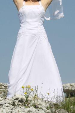 suknia z trenem