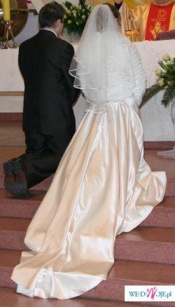 suknię ślubną ecru model DAMAS z kolekcji Mariees de Paris