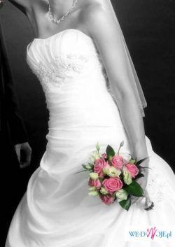 Świetna suknia ślubna- perłowa biel