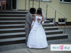 tania i piękna suknia ślubna