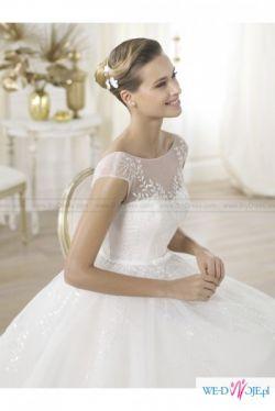 Tiulowa suknia Pronovias- królewski szyk!