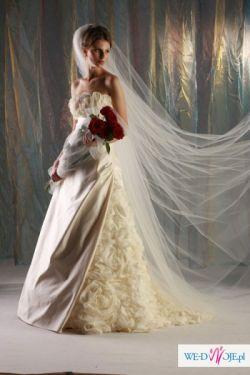 To na pewno sukienka Twoich marzeń ...