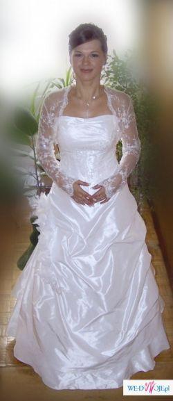 Urocza, śnieżno - biała suknia śłubna z tafty jedwabnej