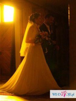 Urocza suknia ślubna!