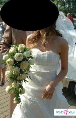 Urocza suknia ślubna dla wysokiej i szczupłej panny młodej!