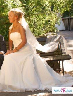 Villais - rusałkowa suknia ślubna