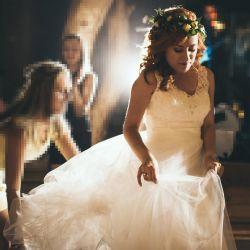 Wygodna i lekka suknia ślubna księżniczka (na wzór Allure Bridals 9103)
