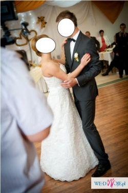 Wyjątkowa koronkowa suknia ślubna 2013/2014