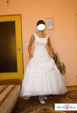 Wyjątkowa suknia SHAPIHR roz.36