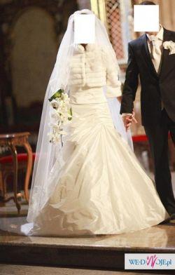 Wyjatkowa suknia slubna:)