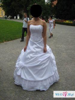 wyjątkowa suknia ślubna firmy Nolina