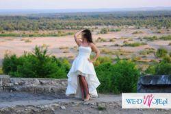 wyjątkowa suknia ślubna, krótka z przodu