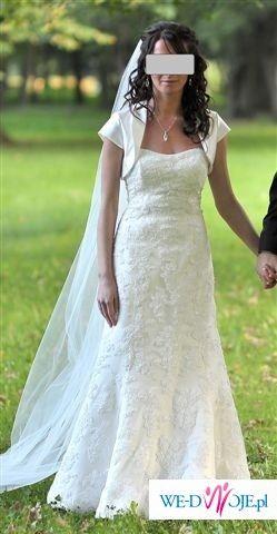 wyjątkowa suknia ślubna Lisa Ferrera Demetrios