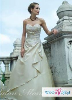 wyjątkowa suknia ślubna w kolorze wanilii (38)