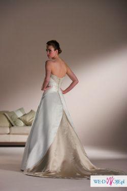 wyjątkowa suknia z kolekcji SINCERITY 2010