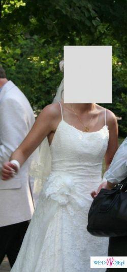 wyjątkowo kobieca suknia ślubna