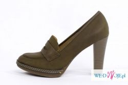 Zielone pantofle na słupku