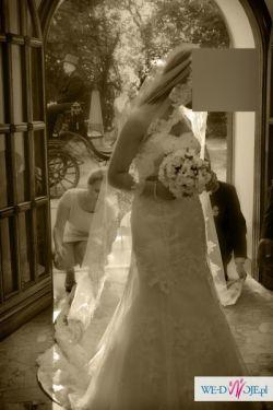Zjawiskowa suknia koronkowa Sincerity model 3664 z długim welonem