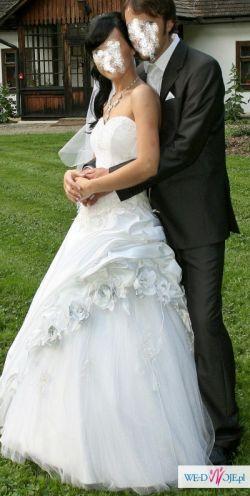 zjawiskowa suknia slubna