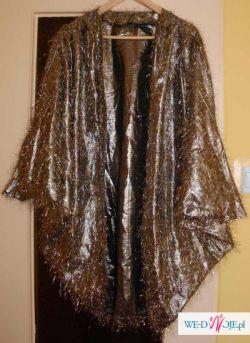 Złoty dodatek do sukni