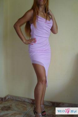 Zwiewna suknia gołe plecy