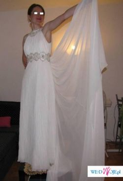 Zwiewna suknia ślubna
