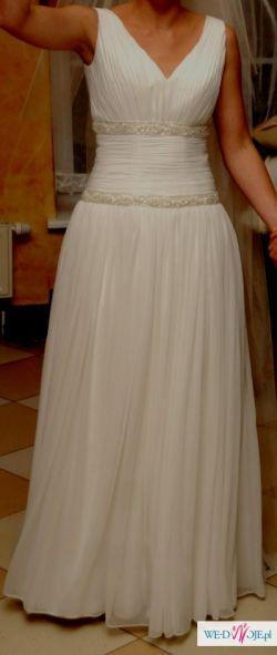 zwiewna suknia ślubna typu greczynka