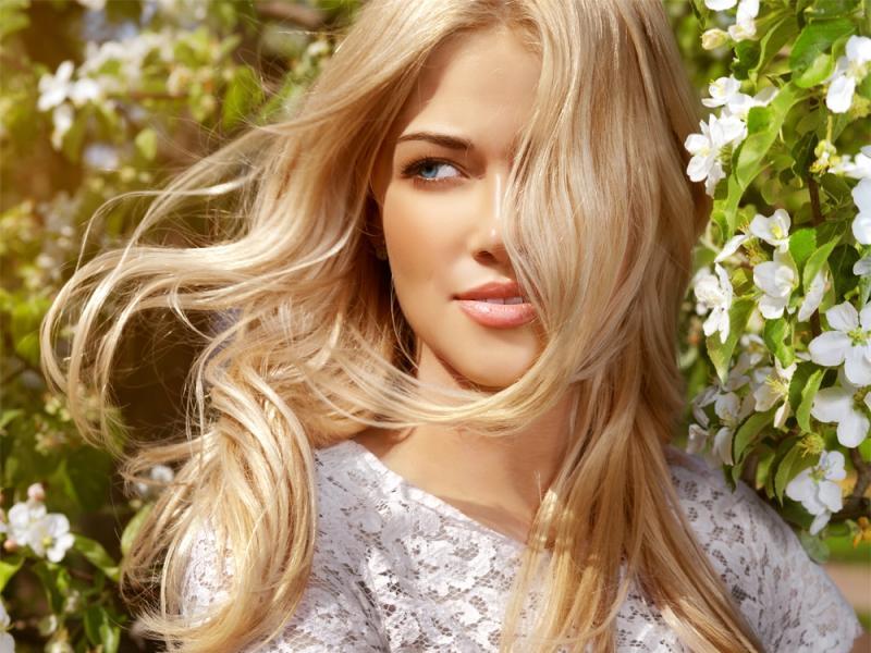 4 najczęstsze problemy z włosami - ekspert radzi