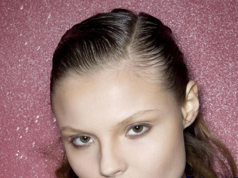 4 sposoby na przetłuszczające się włosy