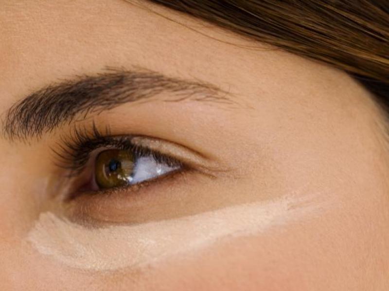 4 sposoby na sińce pod oczami