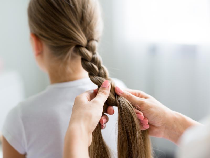 5 Prostych I Efektownych Upięć Dla Dziewczynek Dziecko