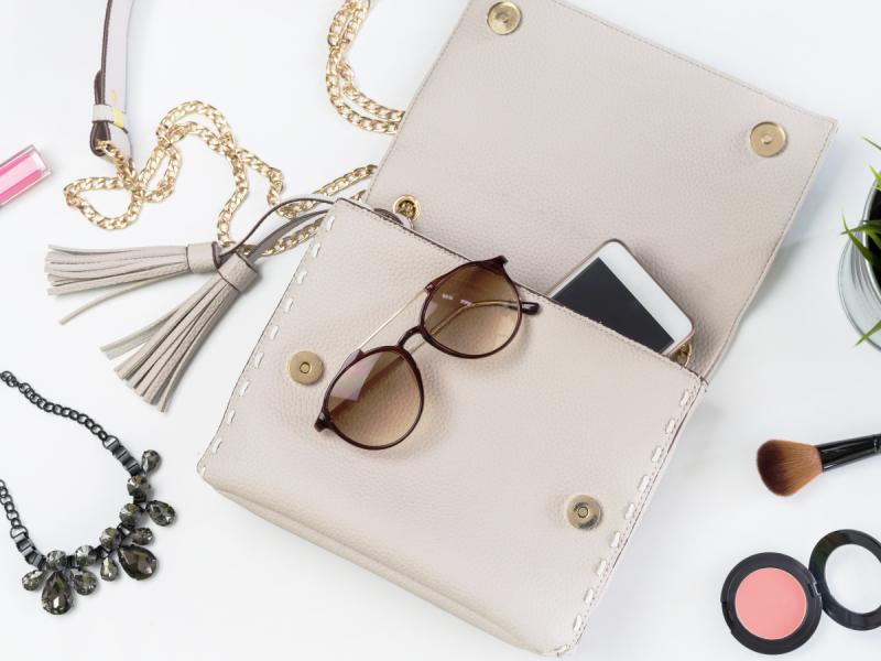 5 rzeczy, które zawsze powinnaś mieć w swojej torebce