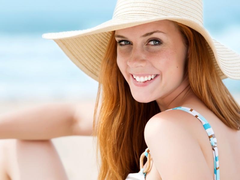 5 sposobów na regenerację włosów po wakacjach