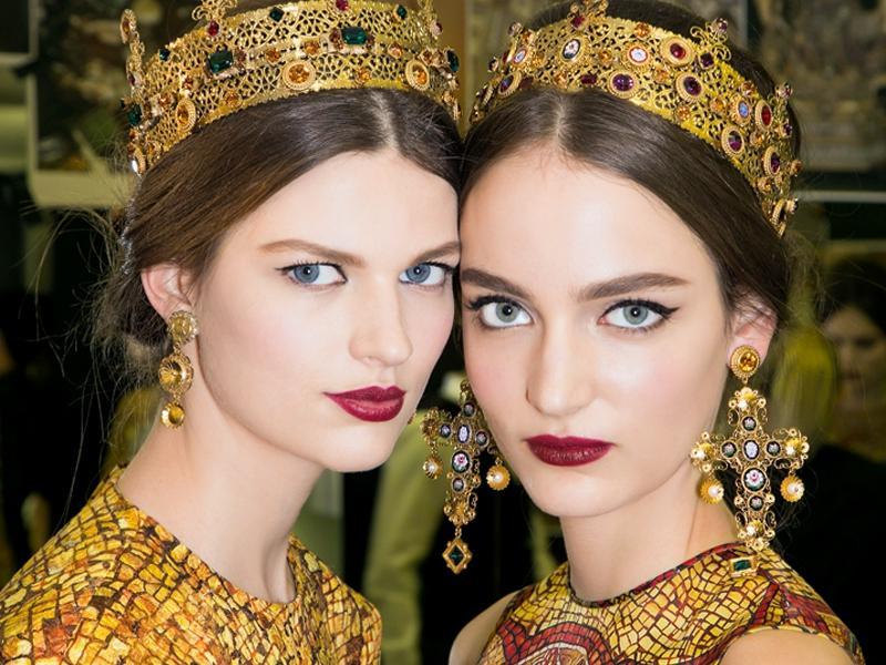 6 modnych kolorów szminek na jesień