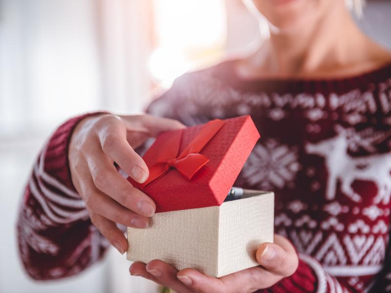 6 pomysłów na mikołajkowe prezenty do 50 zł