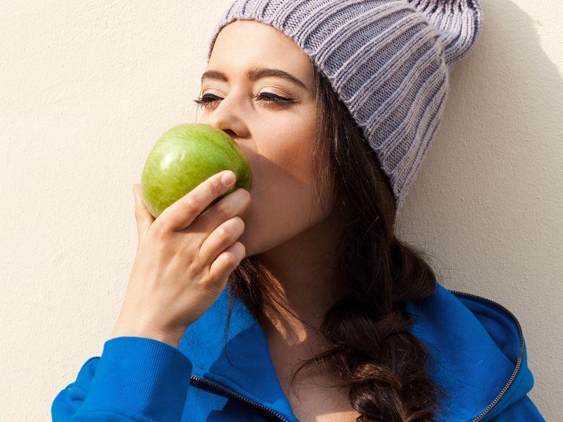 9 najlepszych peelingów do twarzy na jesień