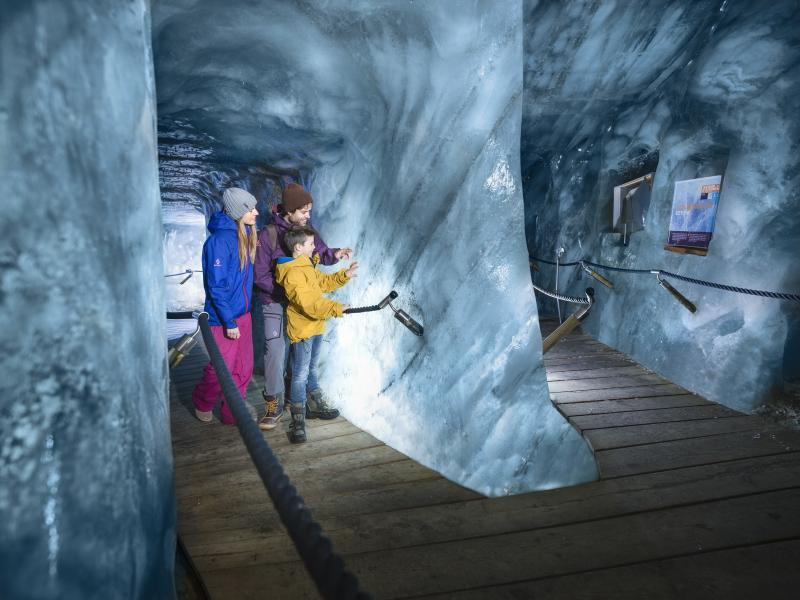 grota lodowa w Stubai
