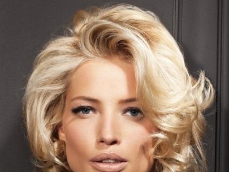 Awangardowo czy klasycznie – fryzury na wigilię i święta