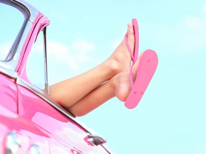 stopy w samochodzie