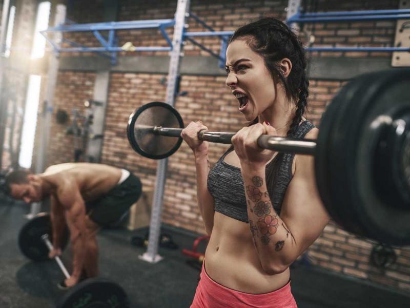 Kobieta na siłowni