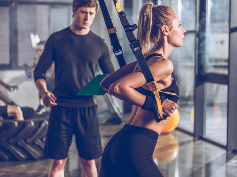 Chcesz schudnąć? Wykonuj trening TRX! Jest niepozorny, ale dają niezły wycisk...