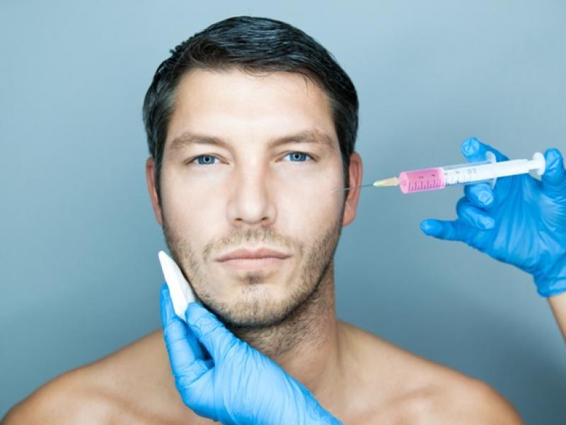 Chirurgia plastyczna mężczyzn – jak poprawić męski wygląd?