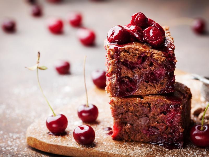 Ciasto z wiśniami - mocno czekoladowe
