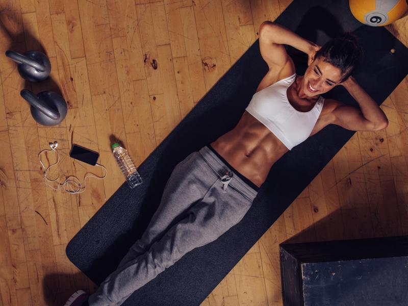 Co dzieje się z organizmem, gdy zrezygnujesz z ćwiczeń na miesiąc? Zadyszka, zmęczenie i brak energii to tylko początek...